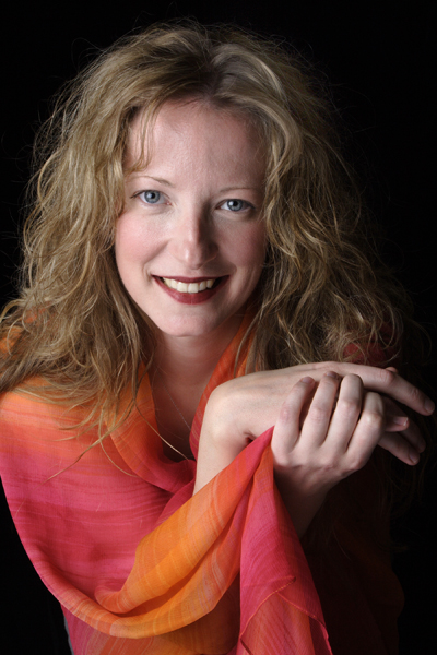 Headshot of American COmposer Amy Beth Kirsten