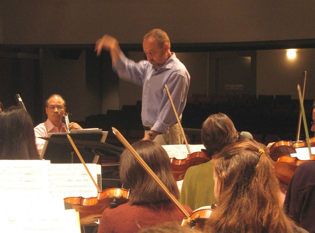 George Manahan conducts the American Symphony Orchestra